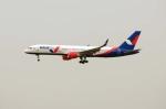 まいけるさんが、スワンナプーム国際空港で撮影したアズール・エア 757-2Q8の航空フォト(写真)