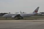 Dekatyouさんが、伊丹空港で撮影した日本航空 777-246の航空フォト(写真)