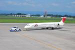 たっしーさんが、鹿児島空港で撮影した日本航空 MD-81 (DC-9-81)の航空フォト(写真)