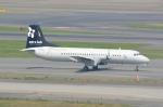 シュウさんが、羽田空港で撮影したエアロラボ YS-11A-200の航空フォト(写真)
