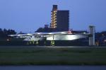 ストロベリーさんが、名古屋飛行場で撮影したソーラー・インパルス・プロジェクト Solar Impulse 2の航空フォト(写真)