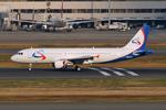 ヨルダンさんが、羽田空港で撮影した全日空 A320-214の航空フォト(写真)