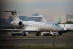 Koenig117さんが、羽田空港で撮影したアメリカ個人所有 G-V-SP Gulfstream G550の航空フォト(写真)
