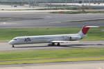 kososhihashimotoさんが、羽田空港で撮影した日本航空 MD-81 (DC-9-81)の航空フォト(写真)