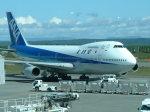 ピーノックさんが、新千歳空港で撮影した全日空 747SR-81の航空フォト(写真)