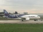 Jack catcherさんが、アルトゥーロ・メリノ・ベニテス国際空港で撮影したラン航空 A320-214の航空フォト(写真)