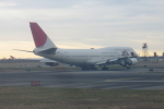 しかばねさんが、ジョン・F・ケネディ国際空港で撮影した日本航空 747-446の航空フォト(写真)