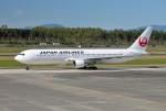 mojioさんが、熊本空港で撮影した日本航空 767-346の航空フォト(写真)