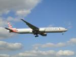じょいふる♪@A380大好き!さんが、ロンドン・ヒースロー空港で撮影したアメリカン航空 777-323/ERの航空フォト(写真)