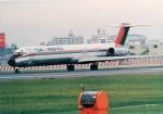 その他の流動資産さんが、伊丹空港で撮影した東亜国内航空 MD-81 (DC-9-81)の航空フォト(写真)