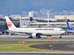Rossiさんが、伊丹空港で撮影した日本航空 767-346の航空フォト(写真)