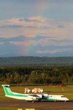 Koenig117さんが、新千歳空港で撮影したANAウイングス DHC-8-402Q Dash 8の航空フォト(写真)