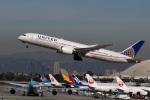 LAX Spotterさんが、ロサンゼルス国際空港で撮影したユナイテッド航空 787-9の航空フォト(写真)