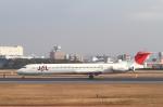 安芸あすかさんが、伊丹空港で撮影した日本航空 MD-81 (DC-9-81)の航空フォト(写真)
