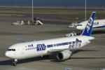 comさんが、羽田空港で撮影した全日空 767-381/ERの航空フォト(写真)