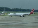 CLIP@h.s.さんが、シンガポール・チャンギ国際空港で撮影したカンタス航空 A330-303の航空フォト(写真)
