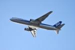 Osakaさんが、関西国際空港で撮影した全日空 767-381の航空フォト(写真)