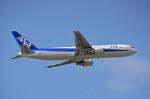 ktaroさんが、那覇空港で撮影した全日空 767-381の航空フォト(写真)