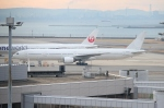Wings Flapさんが、羽田空港で撮影した日本航空 777-346の航空フォト(写真)