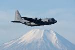 じゃまちゃんさんが、横田基地で撮影したアメリカ空軍 C-130H Herculesの航空フォト(写真)