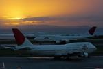 y_ryuさんが、那覇空港で撮影した日本航空 747-346の航空フォト(写真)