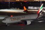 新海 元さんが、羽田空港で撮影したエミレーツ航空 777-21H/LRの航空フォト(写真)