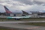 Jetstreamさんが、ペインフィールド空港で撮影したアメリカン航空 777-323/ERの航空フォト(写真)