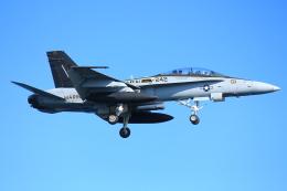 山猿さんが、岩国空港で撮影したアメリカ海兵隊 F/A-18D Hornetの航空フォト(写真)