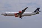 JA8961RJOOさんが、成田国際空港で撮影したスカンジナビア航空 A340-313Xの航空フォト(写真)