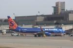 すやまさんが、ミネアポリス・セントポール国際空港で撮影したサンカントリー・エアラインズ 737-8Q8の航空フォト(写真)
