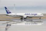 masa707さんが、関西国際空港で撮影した全日空 767-381F/ERの航空フォト(写真)