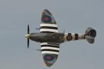 小弦さんが、フォックス飛行場で撮影した私人所有 361 Spitfire LF9Cの航空フォト(写真)