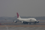 maverickさんが、成田国際空港で撮影した日本航空 747-446の航空フォト(写真)