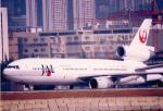 JA8037さんが、啓徳空港で撮影した日本航空 DC-10-40Iの航空フォト(写真)