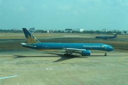 シフォンさんが、タンソンニャット国際空港で撮影したベトナム航空 A321-231の航空フォト(写真)