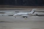 Koenig117さんが、ワシントン・ダレス国際空港で撮影したウェルズ・ファーゴ・バンク・ノースウェスト EMB-505 Phenom 300の航空フォト(写真)