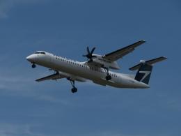 aquaさんが、カルガリー国際空港で撮影したウェストジェット・アンコール DHC-8-402Q Dash 8の航空フォト(写真)