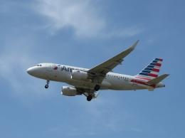 aquaさんが、カルガリー国際空港で撮影したアメリカン航空 A319-115の航空フォト(写真)