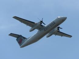 aquaさんが、カルガリー国際空港で撮影したエア・カナダ ジャズ DHC-8-301 Dash 8の航空フォト(写真)