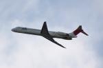 しかばねさんが、三沢飛行場で撮影した日本航空 MD-81 (DC-9-81)の航空フォト(写真)