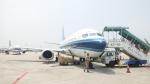 JA8037さんが、青島流亭国際空港で撮影した中国南方航空 737-3Y0の航空フォト(写真)