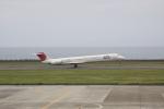 しかばねさんが、奄美空港で撮影した日本航空 MD-81 (DC-9-81)の航空フォト(写真)