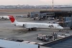 しんさんが、伊丹空港で撮影した日本航空 MD-87 (DC-9-87)の航空フォト(写真)