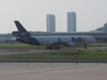 Courierpochiさんが、ペナン国際空港で撮影したフェデックス・エクスプレス MD-11Fの航空フォト(写真)
