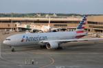 msrwさんが、成田国際空港で撮影したアメリカン航空 777-223/ERの航空フォト(写真)