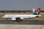 なごやんさんが、ビクトリアフォールズ空港で撮影した南アフリカ航空 A320-232の航空フォト(写真)