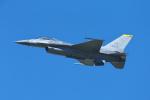おぺちゃんさんが、札幌飛行場で撮影したアメリカ空軍 F-16CM-50-CF Fighting Falconの航空フォト(写真)