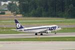 pringlesさんが、チューリッヒ空港で撮影したLOTポーランド航空 ERJ-170-200 (ERJ-175STD)の航空フォト(写真)