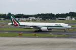 pringlesさんが、成田国際空港で撮影したアリタリア航空 777-243/ERの航空フォト(写真)