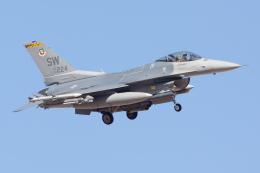 Ryan-airさんが、ネリス空軍基地で撮影したアメリカ空軍 F-16CM-50-CF Fighting Falconの航空フォト(写真)